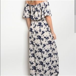 ✨ NEW Navy Floral & Cream long lined Maxi dress